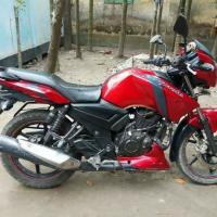 apache 160cc red colour bike..duel disk..fresh condition