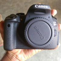 canon eos 700D + 18-55mm stm lens Touch screen
