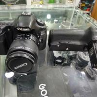 Canon 60D with 18-55mm with Battery grep.