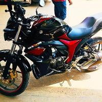 suzuki gixxer double disc black& rad